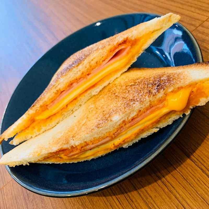 ツナチーズホットサンド